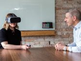 vr-in-financial-services-360×270